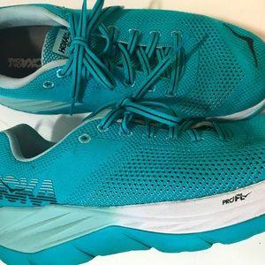 Hoka One Womens sz 9 Blue Color Pro Fly  2 Shoes